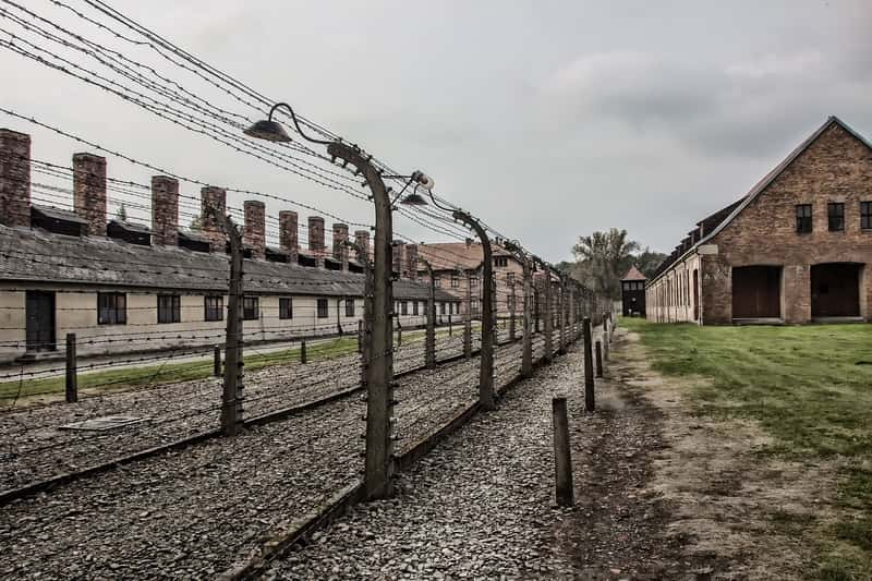 auschwitz I fence barracks