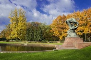 Frederick Chopin monument in Warsaw | Frederyck Chopin tours in Warsaw