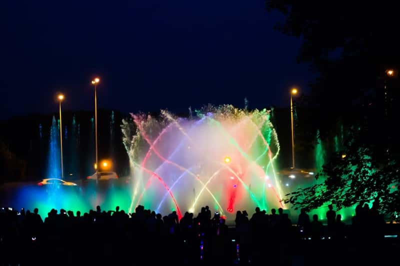Warsaw Fountain with Lights | Events and Concerts in Poland | Free Events | Greek Events in Warsaw