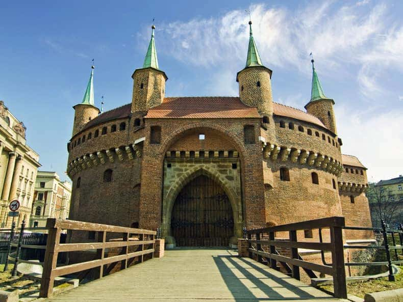 The Barbican of Krakow|A fortified outpost once connected to the city walls. It is a historic gateway leading into the Old Town of Krakow , Poland. Top to see in Krakow!!!