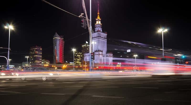 How to use Public Transport in Poland - Travel from Warsaw Airports to center - All services