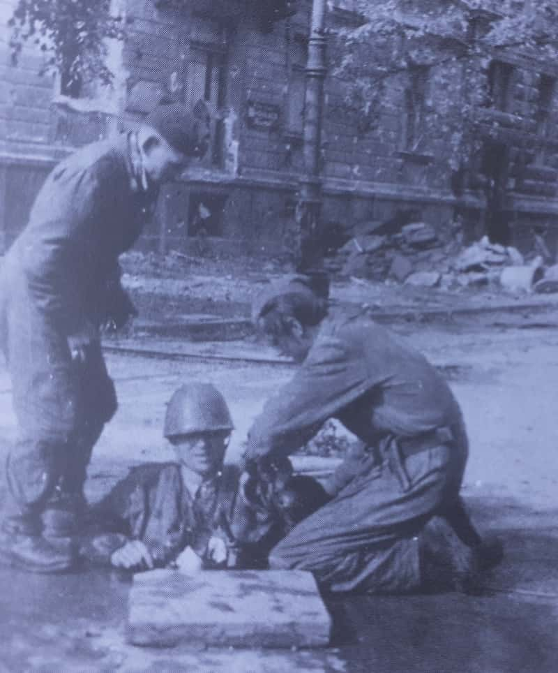 Emerging soldiers from sewers warsaw uprising